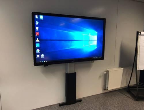 75Inch Touchscreen geplaatst bij DS Groep